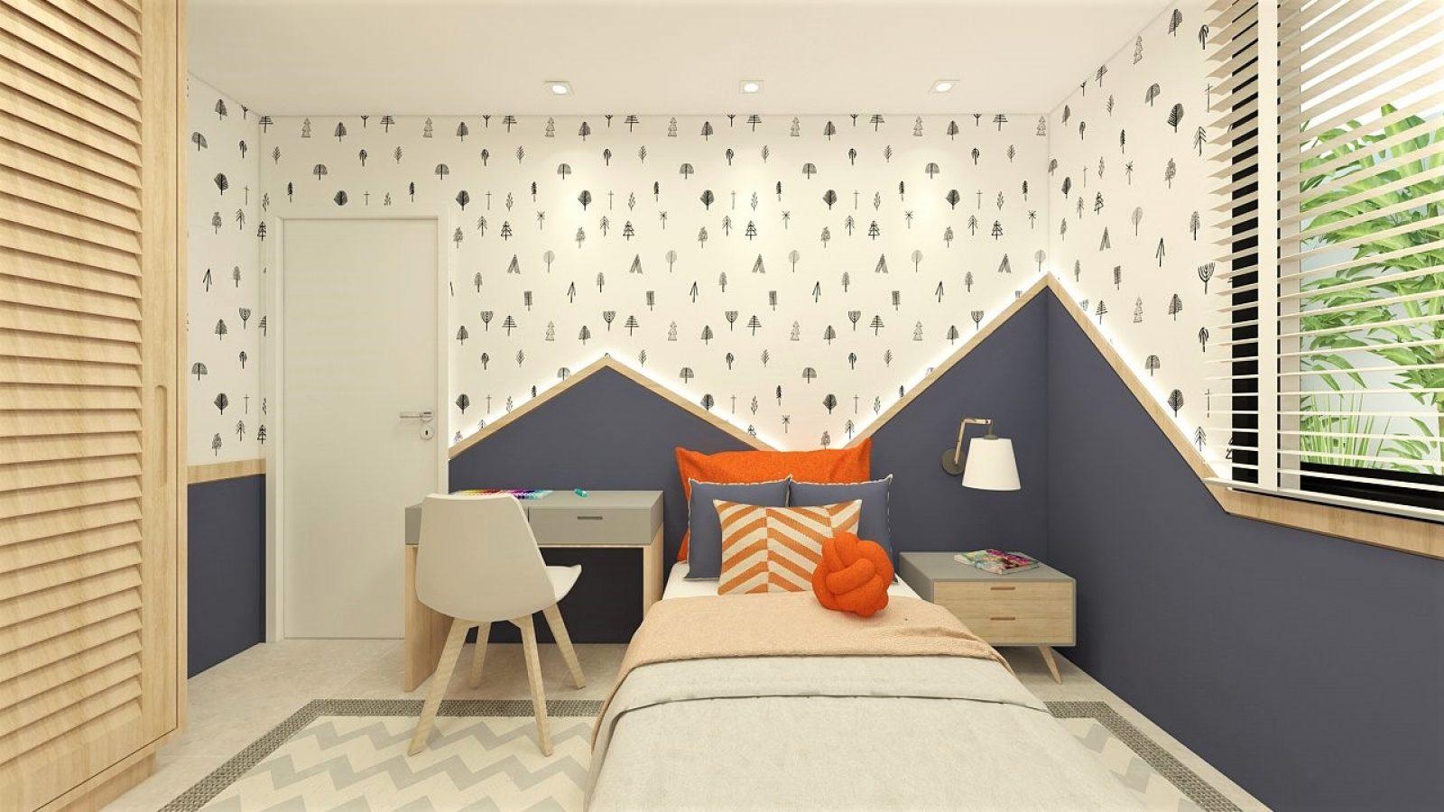 Quarto infantil com cama de solteiro, almofadas laranjas, escrivaninha e porta branca. Parede em azul, com detalhes em branco e azul.